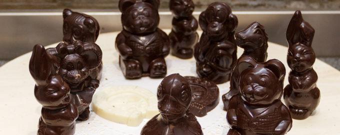 фигурки и шоколада
